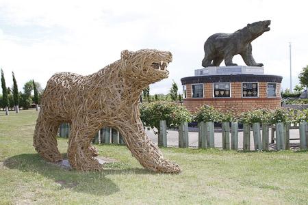 4 two bears